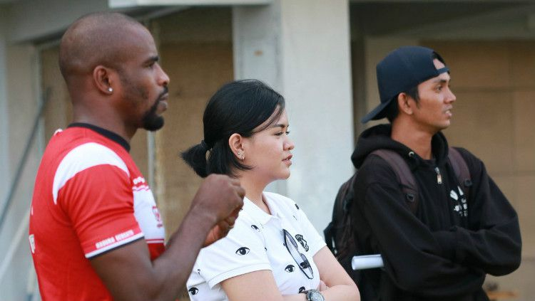 Kunci Sukses COO Cantik Madura United dalam Mengatur Manajemen Klub. Copyright: © Twitter/@MaduraUnitedFC