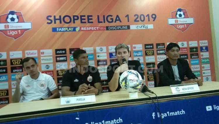 Pelatih Persija Jakarta, Julio Banuelos mengakui kekalahan timnya atas Tira Persikabo. Bahkan ia memuji lini depan Tira Persikabo yang mengalahkan timnya. Copyright: © Zainal Hasan/INDOSPORT