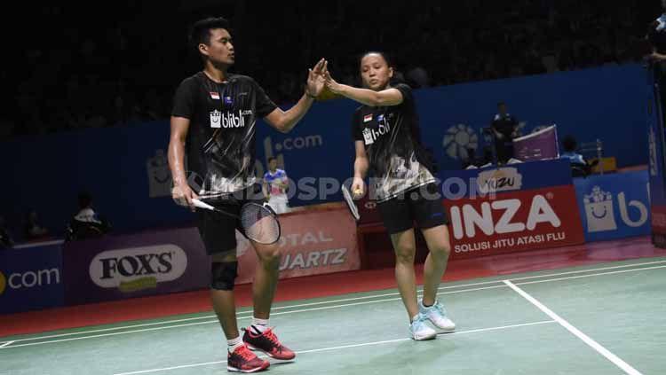 Ganda campuran Indonesia, Tontowi Ahmad harus dikawal polisi usai dipastikan untuk turut serta Indonesia Masters 2020. Copyright: © Herry Ibrahim/INDOSPORT