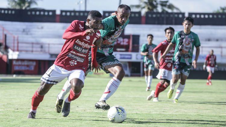 Uji coba antara Putra Tresna FC (hijau) melawan Bali United (merah) di Stadion Kapten I Wayan Dipta, Gianyar, pada Maret 2019 lalu. Copyright: © Media Bali United