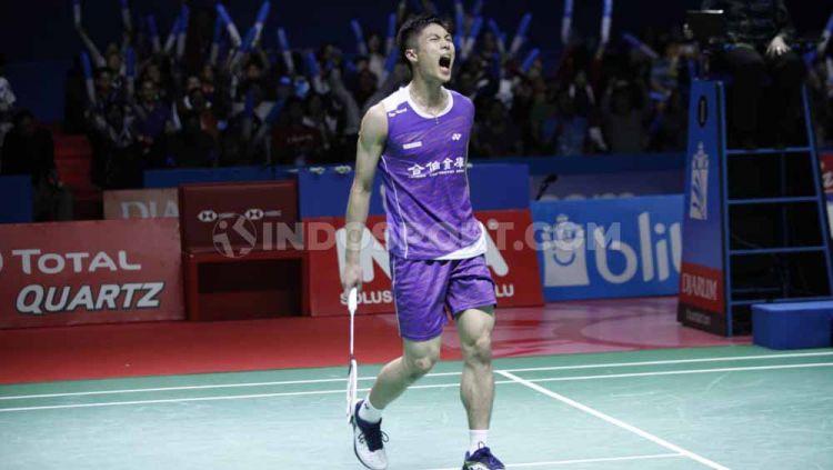 Chou Tien Chen lolos ke babak semifinal Fuzhou China Open 2019 usai menampilkan defense kelas dunia di poin terakhirnya melawan Lu Guangzu, Jumat (8/11/19). Copyright: © Herry Ibrahim/INDOSPORT