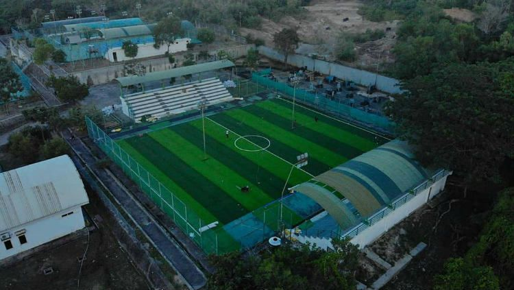 Mini soccer field yang jadi tempat latihan Persiba Balikpapan. Copyright: © instagram.com/majalah_persiba
