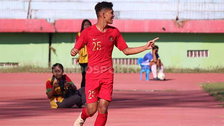 Selebrasi Sutan Zico setelah berhasil mencetak gol pertama Timnas Indonesia vs Persekabpas Pasuruan, Senin (22/07/19). Copyright: © Fitra Herdian/INDOSPORT