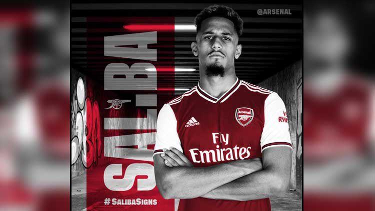 William Saliba resmi ke Arsenal Copyright: © Twitter Arsenal