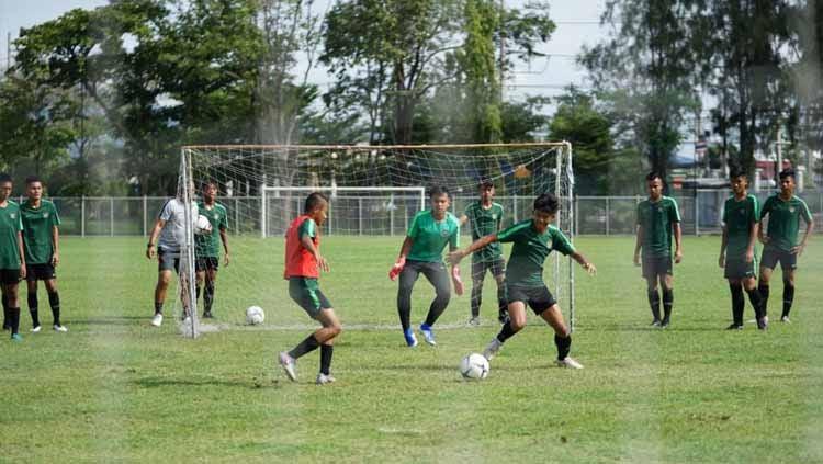 Suasana latihan Timnas Indonesia U-15 di Piala AFF U-15 2019. Copyright: © PSSI