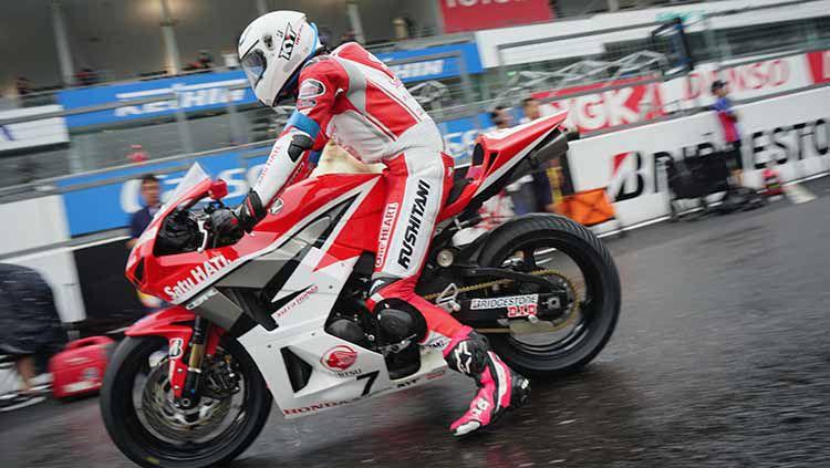 Pembalap asal Indonesia, Irfan Ardiansyah, berhasil menyabet podium pertama di race 1 pada ajang ARRC 2019 yang berlangsung di Sirkuit Sepang, Malaysia. Copyright: © Astra Honda Racing Team