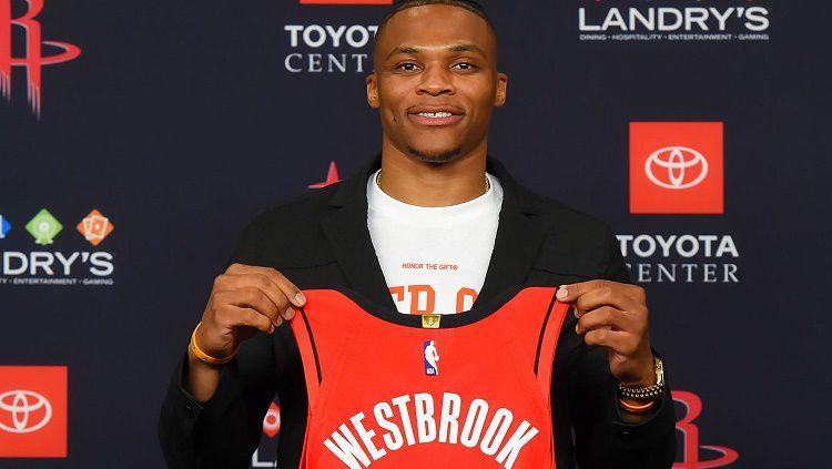 Pemain baru Houston Rockets, Russell Westbrook, berjanji akan bekerja sama dengan James Harden. Copyright: © Sky Sports