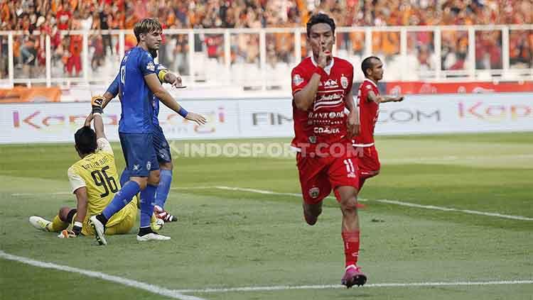 Selebrasi Novri Setiawan usai mencetak gol dalam laga Persija vs Arema FC di SUGBK, Senayan pada pekan ke-12 Liga 1 2019, Sabtu (03/08/19). Copyright: © Herry Ibrahim/INDOSPORT