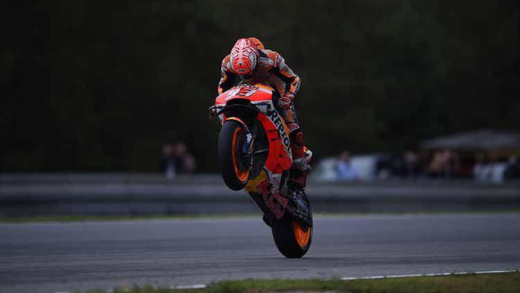 Marc Marquez belum mampu tampil apik di beberapa sesi latihan MotoGP Inggris 2019. Meski begitu dirinya justru memuji Sirkuit Silverstone. Copyright: © Andrea Diodato/NurPhoto via Getty Images