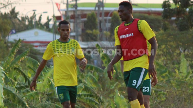 Amido Balde berlatih di Lapangan UNESA, Selasa (06/08/19). Copyright: © Fitra Herdian Ariestianto/INDOSPORT