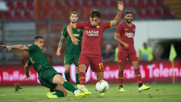 Agen Cengiz Under kabarnya bakal memperjuangkan kliennya untuk merapat ke rival AS Roma di Serie A Liga Italia, AC Milan. Copyright: © twitter.com/athleticclub