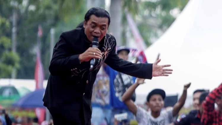 Berikut ini pengaruh penyanyi campursari kenamaan Didi Kempot dan peninggalannya sangat membekas ke atlet Indonesia. Copyright: © Antara