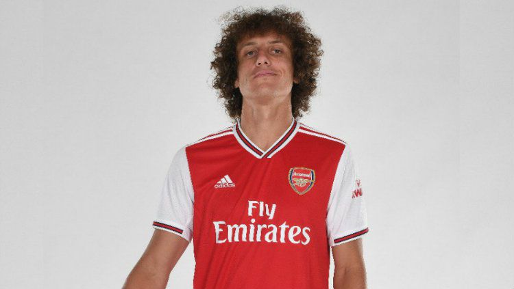 David Luiz resmi hijrah ke Arsenal, Kamis (08/08/19). Copyright: © arsenal.com
