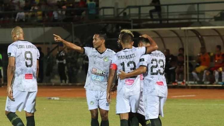 Para pemain Tira-Persikabo saat melakukan selebrasi gol di Liga 1 2019. Copyright: © Instagram/@abduhlestaluhu_3
