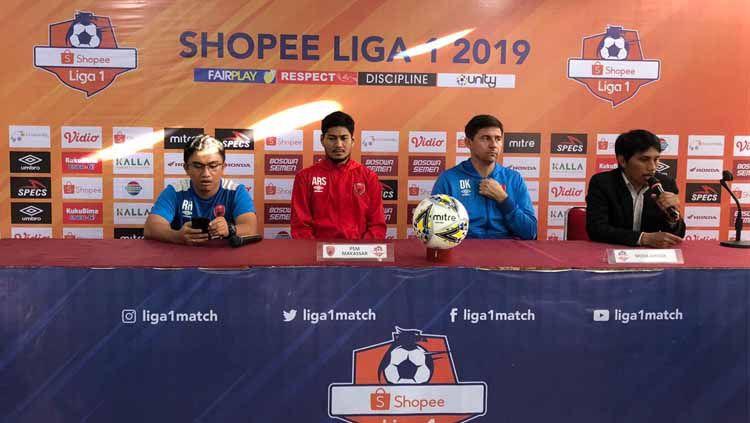 Pre Match Press Conference PSM Makassar melawan Barito Putera dihadiri pelatih Darije Kalezic dan pemain Abdul Rahman. Copyright: © Media PSM Makassar