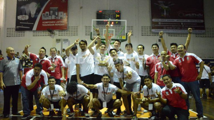 Indonesia Selection juara ketiga di Elang Cup Basketball Tournament 2019. (Foto : Aldi Aulia Anwar/INDOSPORT) Copyright: © Aldi Aulia Anwar/INDOSPORT