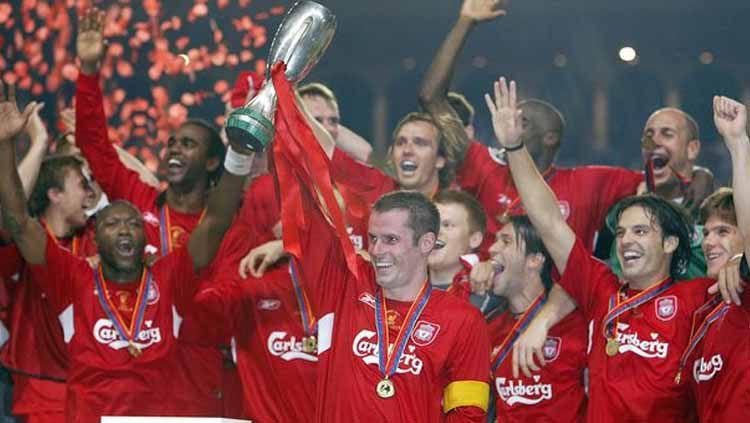 Liverpool saat merayakan kemenangan sebegai juara Piala Super 2005 Copyright: © liverpoolecho.co.uk