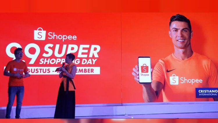 Cristiano Ronaldo jadi brand ambassador Shopee. Copyright: © Maharani Adhyarianti/INDOSPORT