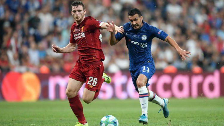 Pemain Liverpool dan Chelsea berebut bola di pertandingan Piala Super Eropa 2019 Copyright: © twitter.com/LFC