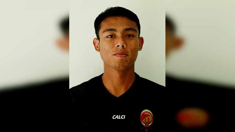 Sriwijaya FC harus merelakan melepas bek Hamdan Zamzani. Copyright: © LIB