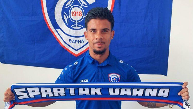 Nazario de Fretes, pemain berdarah Makassar yang gabung juara liga Bulgaria Copyright: © instagram.com/nazariodefretes