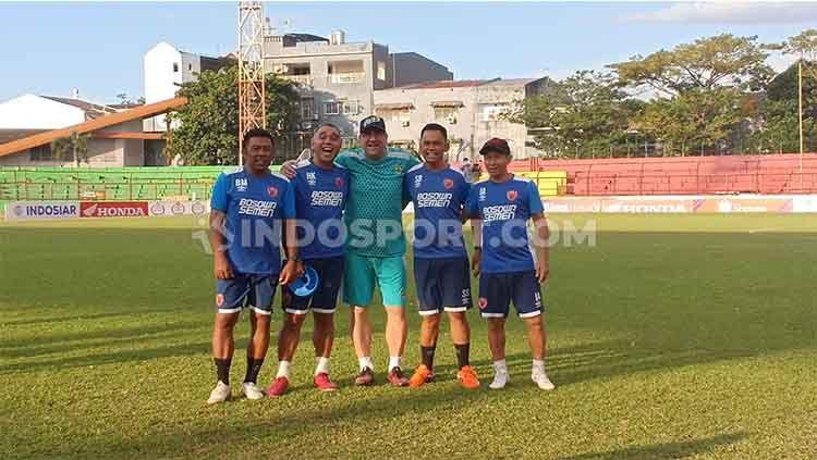 Pelatih Persib Bandung, Robert Rene Alberts bersama mantan asistennya di PSM Makassar Copyright: © Adriyan Adirizky Rahmat/INDOSPORT