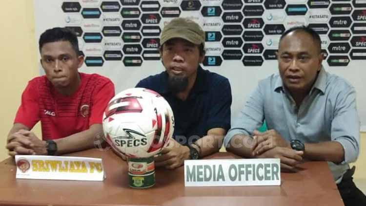 Preskon Sriwijaya FC usai meraih kemenangan lawan Perserang di Liga 2. Copyright: © Muhammad Effendi/INDOSPORT