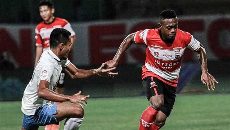 Laga pertandingan Madura United vs PSIS Semarang pada Liga 1, Sabtu (24/08/2019). Copyright: © Instagram@maduraunited.fc