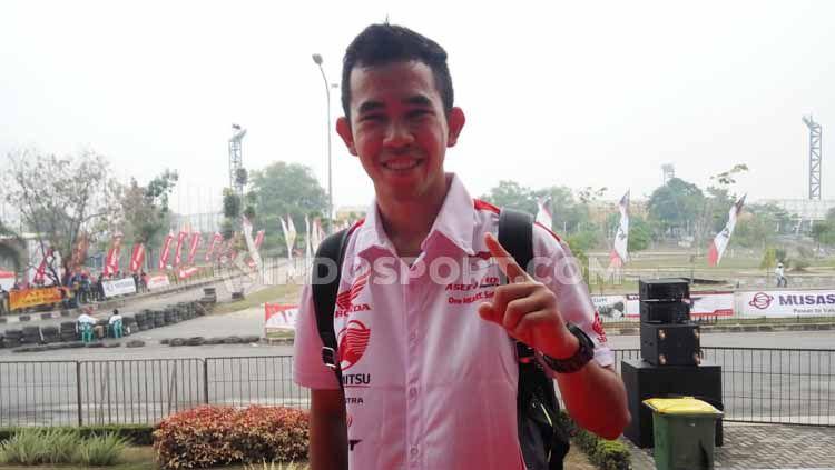 Gerry Salim, pembalap Moto2 FIM CEV, yang juga fans klub Persebaya Surabaya. Copyright: © Luqman N. Arunanta/INDOSPORT