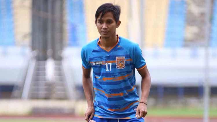 Sempat 'prank' Barito Putera di bursa transfer Liga 1, bek sayap Borneo FC, Abdul Rachman update kondisi cedera. Copyright: © kaltim.prokal.co