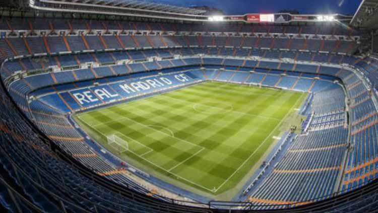 Real Madrid dikabarkan siap melakukan renovasi Santiago Bernabeu yang rencananya akan segera dikerjakan pada akhir musim 2019/20 ini. Copyright: © dok. Real Madrid