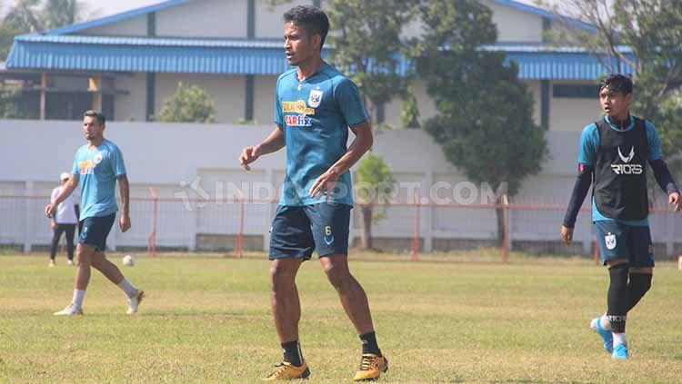 Nama Finky Pasamba menjadi salah satu pilar penting PSIS Semarang sejak paruh musim kedua kompetisi Liga 1 2019. Copyright: © Alvin Syaptia Pratama /INDOSPORT