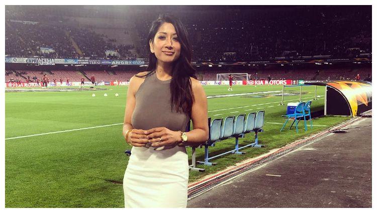 Reshmin Chowdhury dipercaya jadi presenter di acara undian fase grup Liga Champions Copyright: © instagram.com/reshmintv