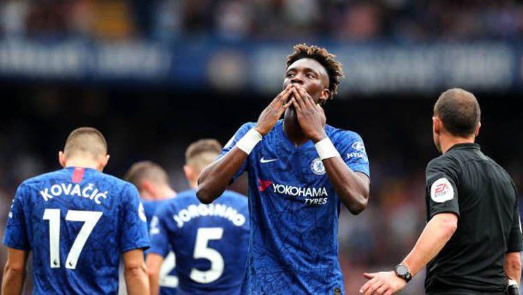 Tammy Abraham merayakan gol pada laga Chelsea vs Sheffield United di Liga Inggris 2019/2020, Sabtu (31/08/19). Copyright: © Twitter/@chelski_blues