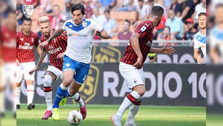 Bakal seperti apa formasi klub raksasa Serie A Italia, AC Milan, jika Sandro Tonali dari klub Brescia jadi bergabung di bursa transfer musim panas ini? Copyright: © Twitter/@BresciaOfficial