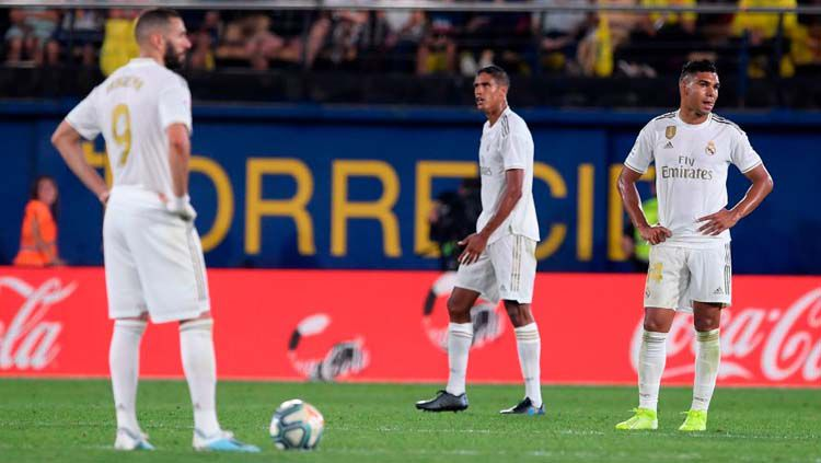Karim Benzema, Raphael Varene, dan Casemiro tampak lesu pada laga Villarreal vs Real Madrid di LaLiga Spanyol 2019/20, Senin (02/09/19). Copyright: © Twitter/@BBCMOTD
