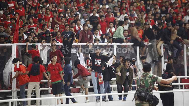 Dampak kerusuhan vs Malaysia, sanksi FIFA menanti Indonesia. Copyright: © Herry Ibrahim/INDOSPORT