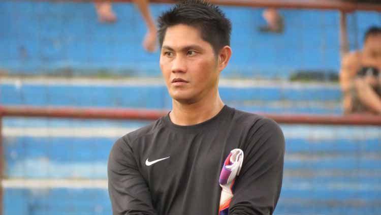 Deny Marcel (eks pelatih kiper PSM Makassar). Copyright: © elebesonline.com