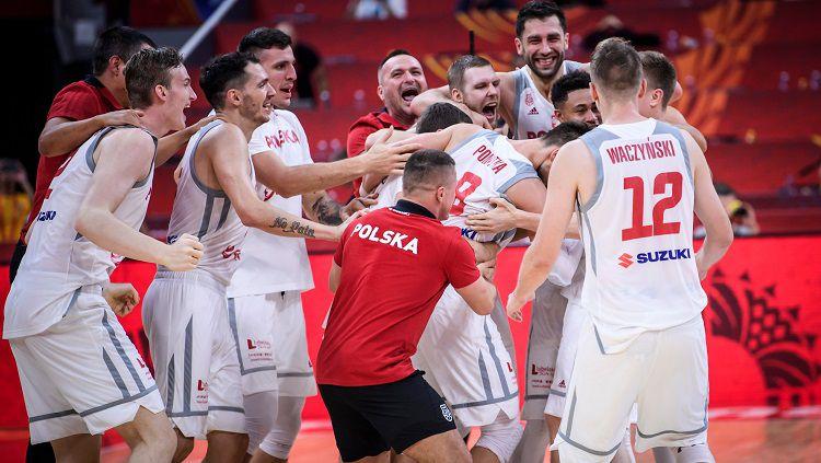 Tim basket Polandia memastikan tiket ke perempatfinal Copyright: © Twitter @FIBAWC