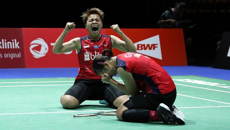 Greysia Polii dan Apriyani Rahayu merayakan kelolosan ke babak semifinal Chinese Taipei Open, Jumat (06/09/19). Copyright: © PBSI