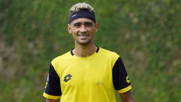 Bruno Matos latihan perdana bersama Bhayangkara FC usai gabung dari Persija Jakarta di bursa transfer Liga 1 2019. Copyright: © bhayangkarafc