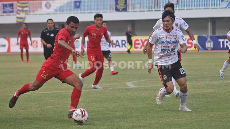 Timnas U-22 vs Bali United dalam laga Trofeo HB X di Stadion Mandala Krida, Yogyakarta, Minggu (08/09/19). Copyright: © INDOSPORT/Ronald Seger Prabowo