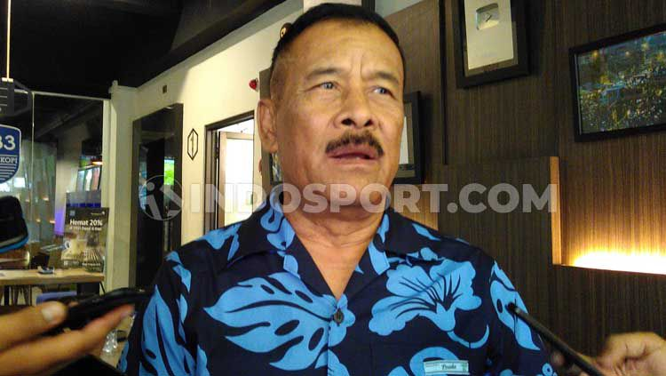 Komisaris PT Persib Bandung Bermartabat (PBB), Umuh Muchtar memberikan komentar terkait masa depan kompetisi Liga 1 2020 yang saat ini dihentikan sementara. Copyright: © Arif Rahman/INDOSPORT