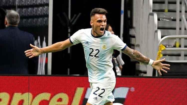 Lautaro Martinez mencetak hattrick saat melawan Meksiko dalam laga persahabatan, Rabu (11/09/19). Copyright: © Twitter.com/fifaworldcup