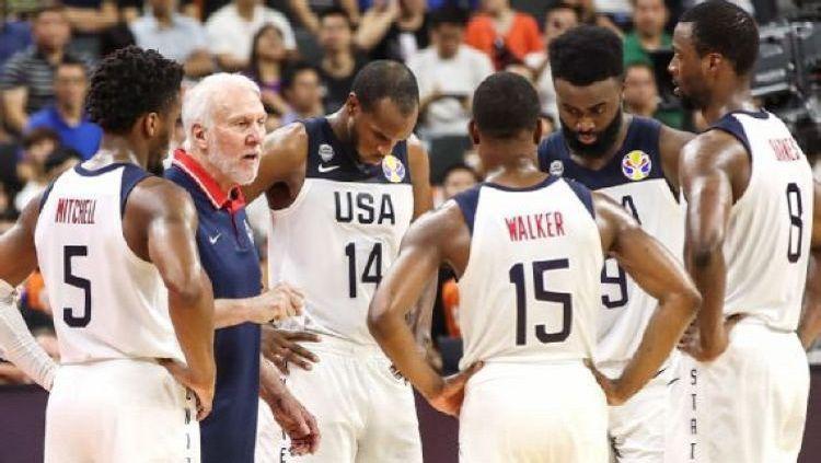 Gregg Popovich bersama skuat timnas basket Amerika Serikat Copyright: © Lintao Zhang/Getty Images