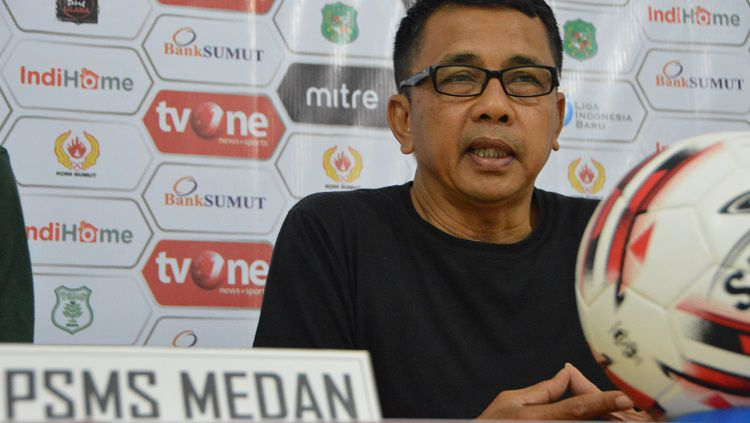 Jafri Sastra akan menjalani laga perdananya alias debut sebagai juru taktik PSMS Medan dengan mengahadapi PSCS Cilacap dalam lanjutan pekan ke-16 Liga 2 2019. Copyright: © Aldi Aulia Anwar/INDOSPORT