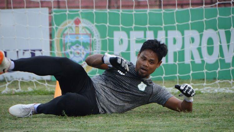 Pelatih kiper anyar PSMS Medan, M. Sabani. Copyright: © Aldi Aulia Anwar/INDOSPORT