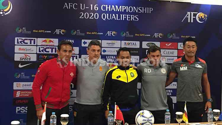 Jumpa pers Timnas Indonesia U-16 akan menjalani babak kualifikasi Piala Asia U-16 2020. Copyright: © Petrus Manus DaYerimon/INDOSPORT