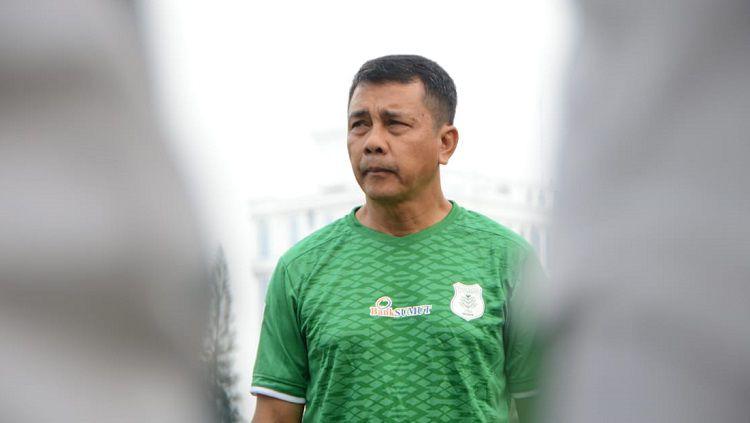 Pelatih PSMS Medan, Jafri Sastra. Foto: Aldi Aulia Anwar/INDOSPORT Copyright: © Aldi Aulia Anwar/INDOSPORT