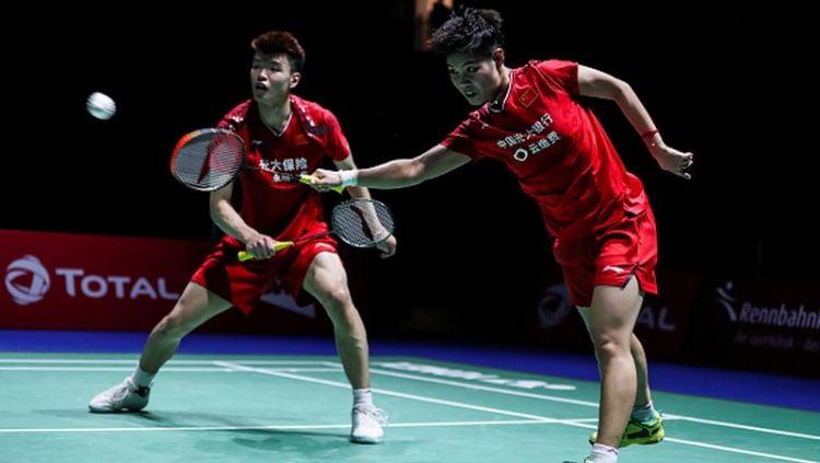 Kepala pelatih ganda campuran China, Yang Ming mengakui kekurangan anak asuhnya setelah kembali harus menelan kekalahan dari pasangan Indonesia. Copyright: © Shi Tang/Contributor/Getty Images